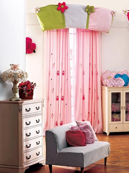 儿童房窗帘布艺